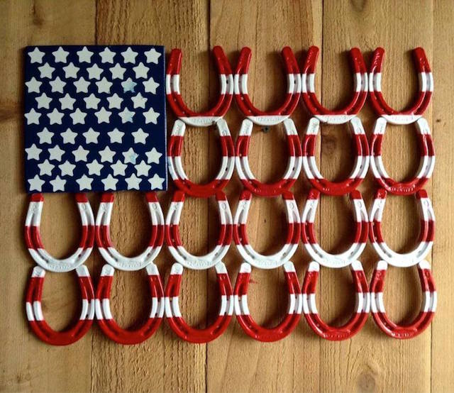 Patriotic Horseshoe Decor - easy to make!