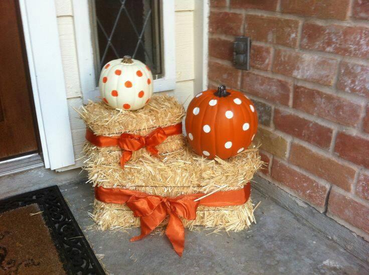 Hay and Pumpkin Decor