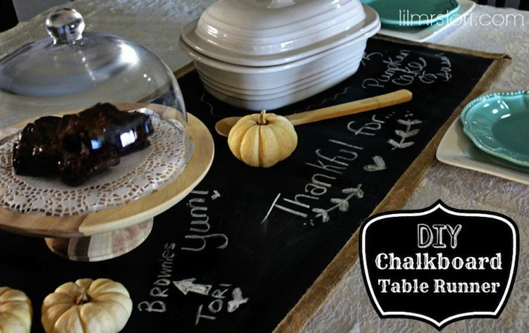 DIY Chalkboard Table Runner | #diy #thanksgiving #thanksgivingtablescape