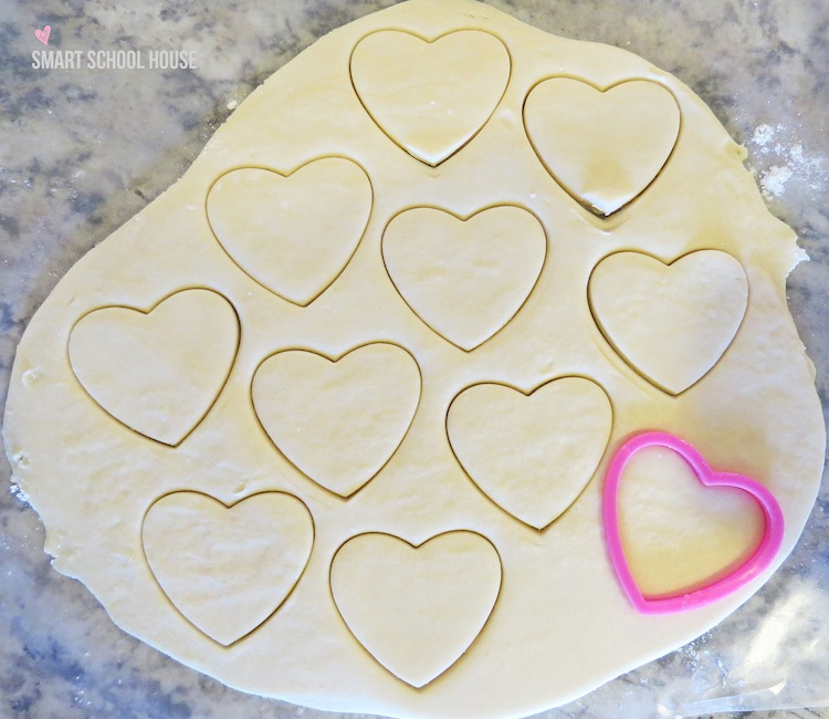 Easy recipe for pretty sugar cookies