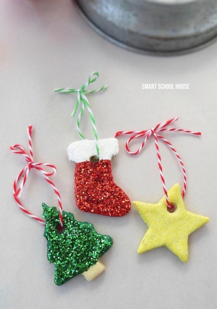 Homemade Christmas Ornaments. How to make Salt Dough Ornaments #DIYChristmas #Ornaments #ChristmasCraft #saltdough