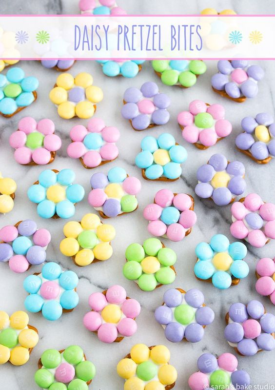 Flower Pretzel Bites - Pretzels, white chocolate, and pastel M&M's candies make this sweet and salty snack a welcomed spring treat!