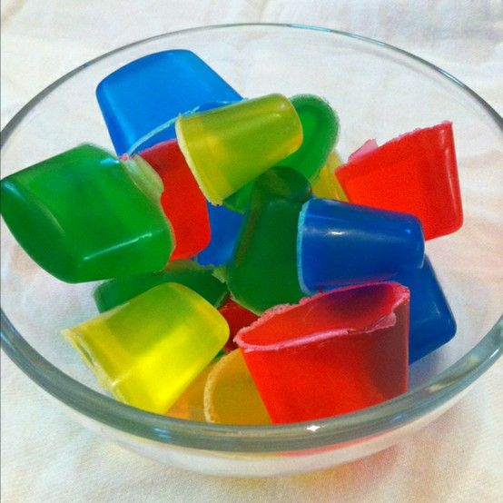 Homemade bath crayons - I can think of a couple of kids who would love this!