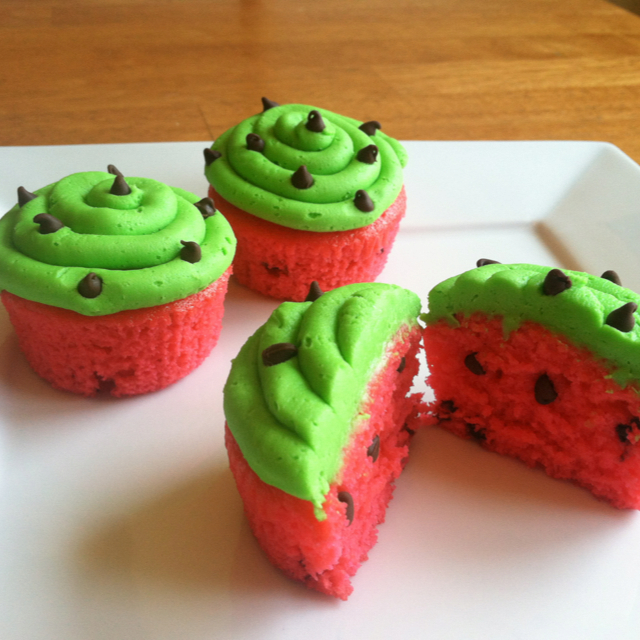 Watermelon cupcakes! SO EASY to make with mini chocolate chips and food coloring.