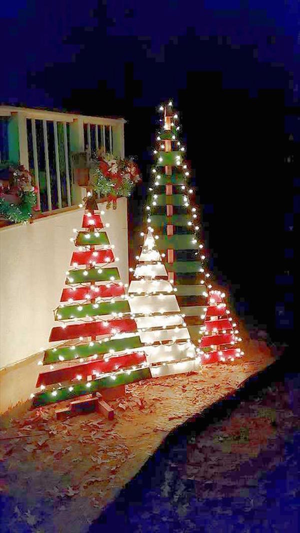 Christmas decorating hacks Diy outside christmas decorating ideas