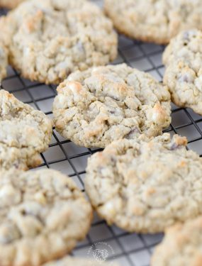 These delicious oatmeal chocolate chip cookies have JUST the right combination of crispy on the outside and chewy on the inside. They have the amazing flavor of chocolate, oatmeal, and butter.