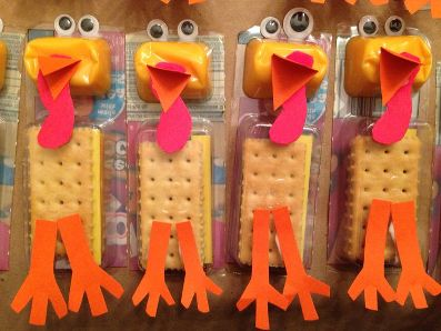 Thanksgiving snack idea - turkey cheese and crackers. So cute!