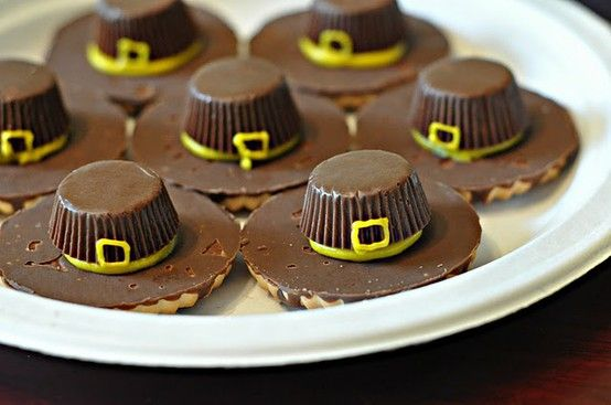 Thanksgiving pilgrim hat cookies. Cute and simple!
