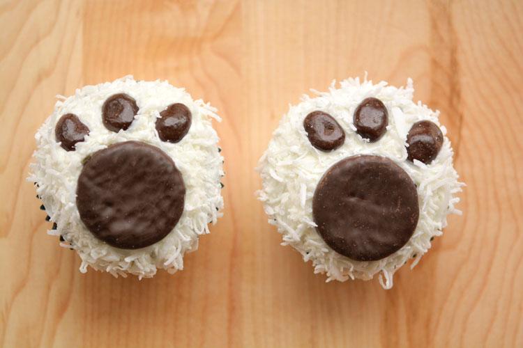 Polar bear paw print cupcakes.