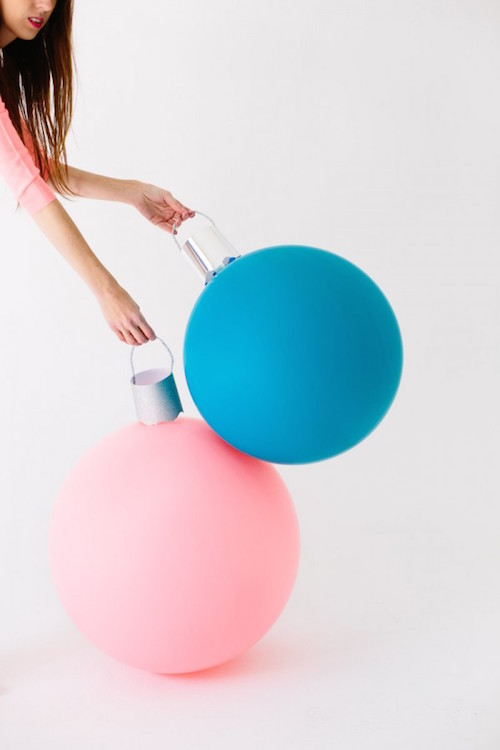Make GIGANTIC ornament balloons! How fun are these? Click the picture to see how to make them.