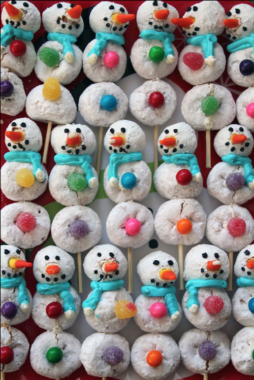 Make adorable powered donut snowmen! Kids would love this...