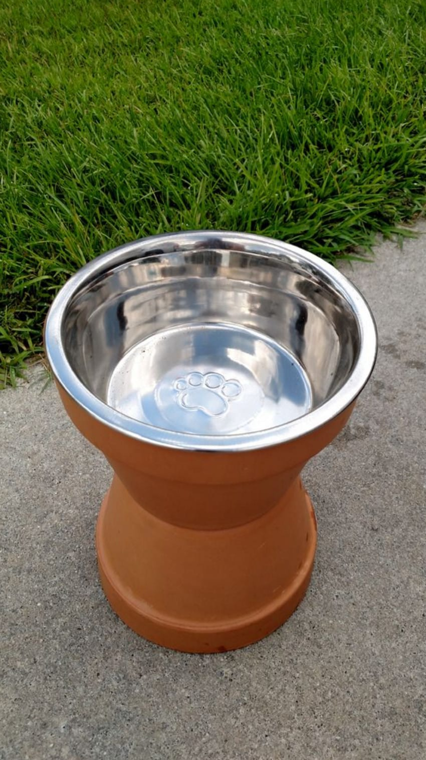 Water bowl stand made out of terra cotta pots