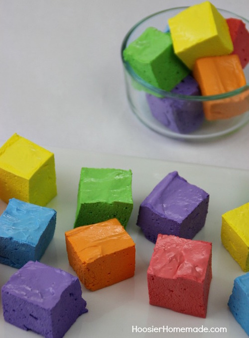 The EASY way to make Rainbow Fudge with water, powdered sugar, & gelatin. WOW!
