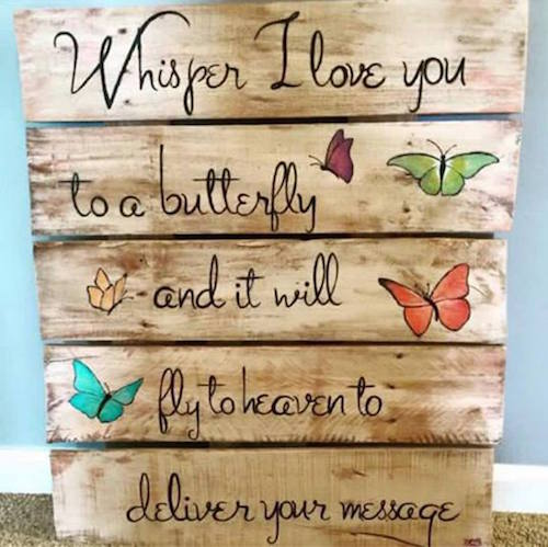 Use old wood to display inspirational quotes. So pretty!