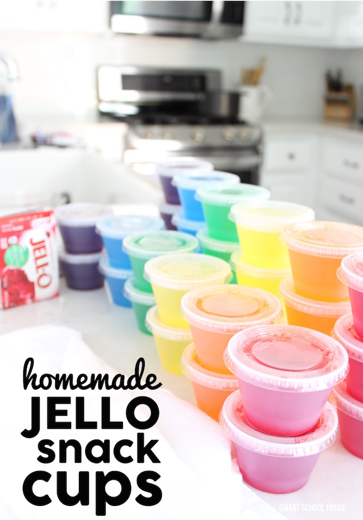Homemade JELLO SNACK CUPS - make 30 Jello snack cups for 5 dollars in just about 20 minutes! So much SMARTER than buying the regular packs in the store.