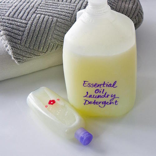 There are so many things you can make with an empty milk jug - don't throw it away! Try making an entire gallon of laundry detergent using essential oils (so smart!).