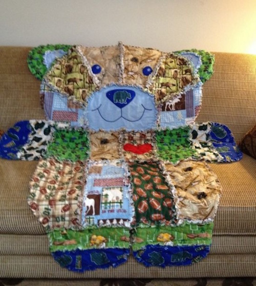 Have baby clothes & blankets that don't fit or don't get used anymore? Don't throw them away, make a keepsake quilt! Great idea -