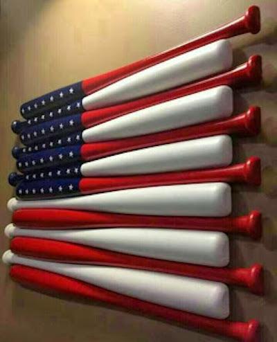 Summer and baseball - 2 of my favorite things! Here's a really cute idea: American flat baseball art!