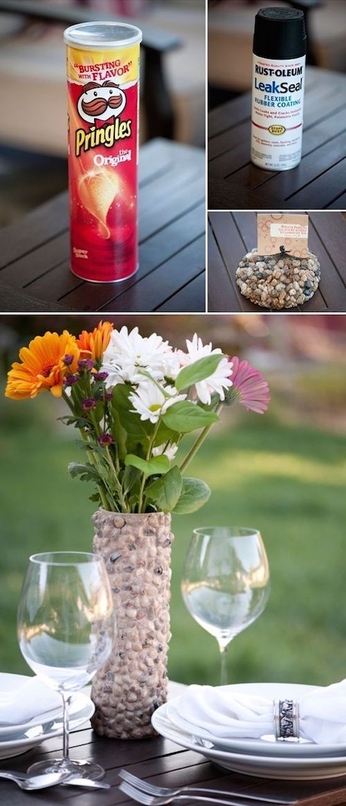 Turn a Pringles can into a pretty outdoor vase! Perfect for summer and other outdoor entertaining. What a great craft idea -
