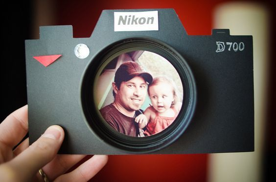 Camera Father's Day Card - Father's Day Card made into a Camera with a Picture in the Lens! How ADORABLE is this?