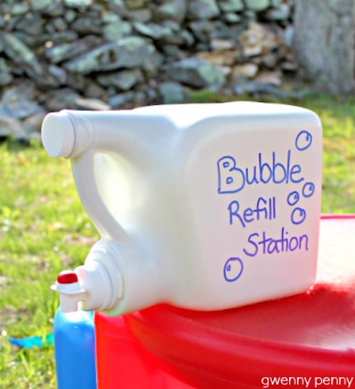 How to make a bubble refill station using an empty laundry detergent bottle - so smart!