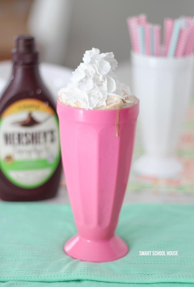 Chocolate Milkshake recipe plus 5 simple treats to make at home - easy dessert ideas. Saving this!