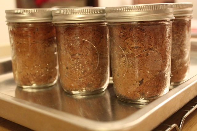 Zucchini Bread Recipe made in Mason Jars. How to make bread in a jar.