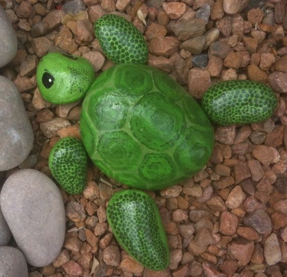 Turtle painted rocks - adorable! Kids would love to make these -