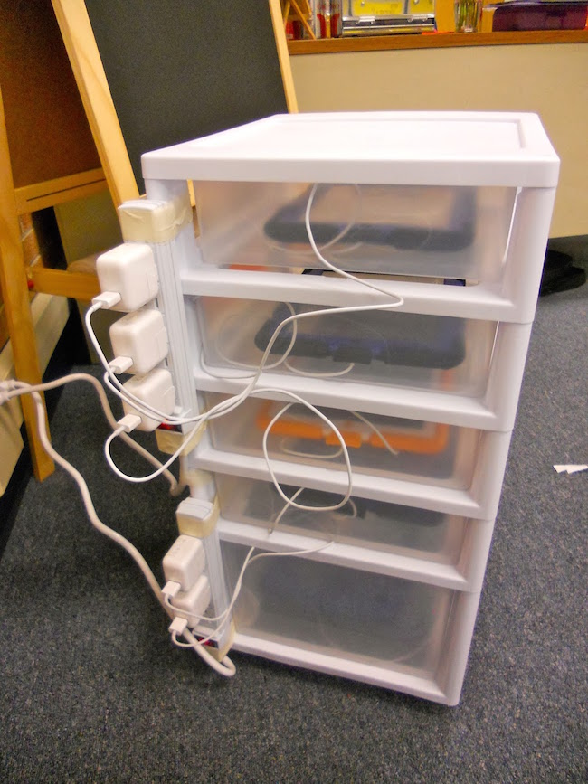 DIY Charging Station for iPads and tablets. So smart!