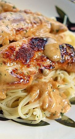 "Chicken Lazone - ready in 15 minutes - no prep required! One reader said, ""We made this 3 days in a row!"""