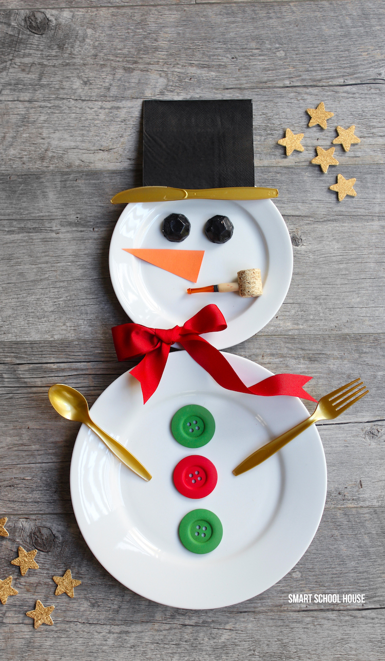 Snowman place setting. How to make a snowman with white plates