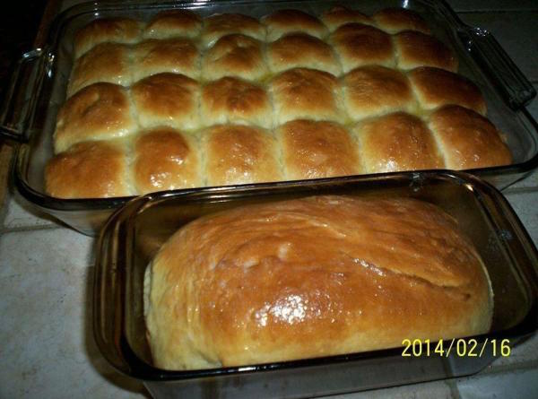 Delicious homemade Hawaiian sweet rolls, soft, fluffy and fresh from the oven. Brush top with melted butter,and serve warm. You can also make it into one big loaf!