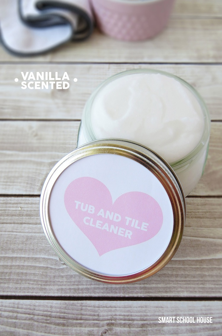 Homemade Tub and Tile cleaner