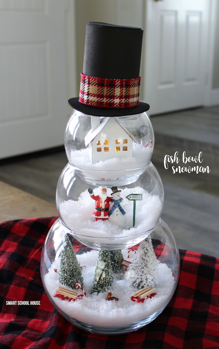 Fish Bowl Snowman Craft for a Christmas decoration. ADORABLE! Make a little Christmas scene in each bowl. #fishbowlsnowman