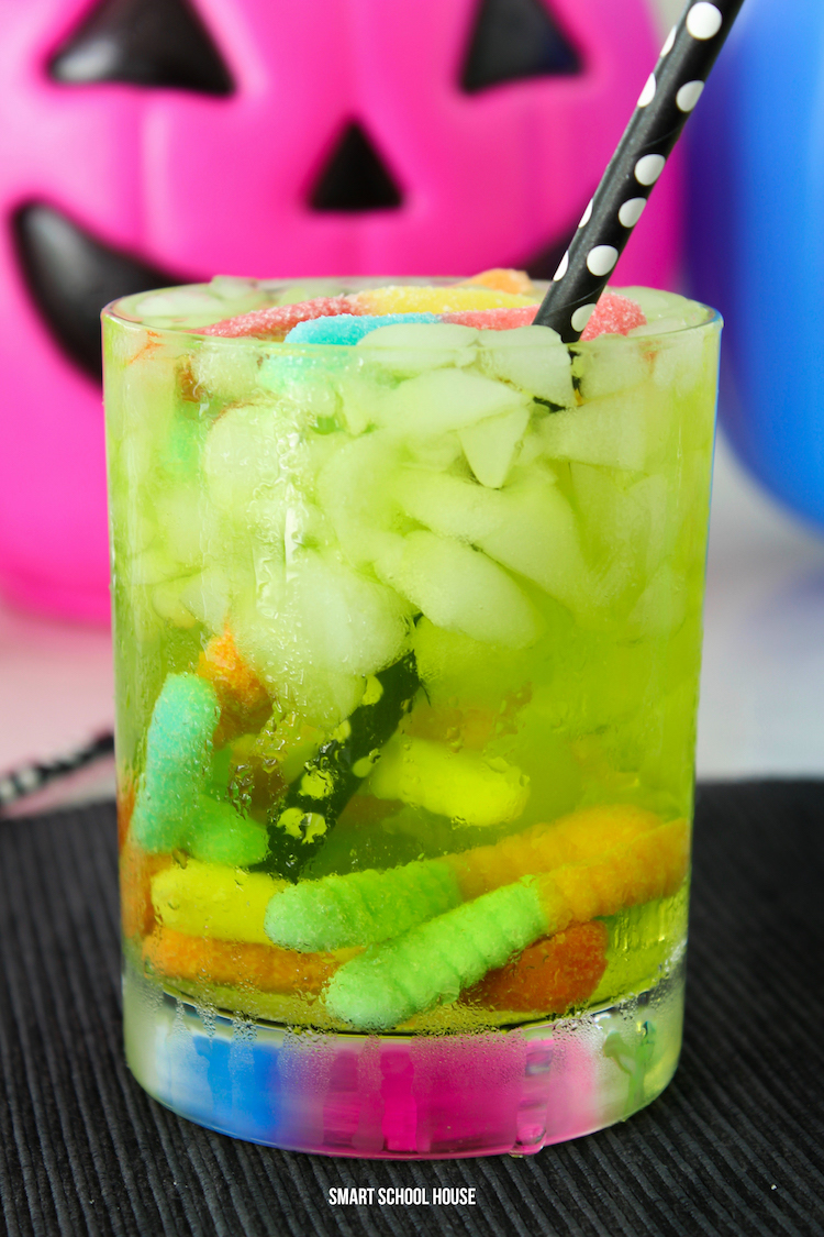 3 ingredient Halloween worm punch recipe for kids! Bubbly, sweet, fun, and simple to make in a hurry.