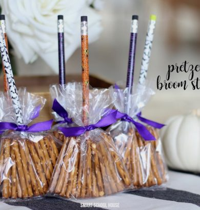 Pretzel broom sticks. A healthy Halloween treat. Make little witch brooms that are candy free!
