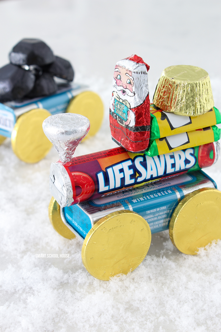 How to make a Candy train for Christmas. ADORABLE! Chocolate, life savers, and an altoids tin. The best is the candy coal caboose!