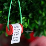 How to make a Christmas list ornament on a spool. ADORABLE!