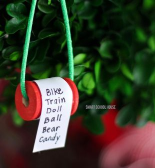 How to make a Christmas list ornament on a spool. ADORABLE!