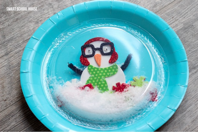 Plastic plate snow globe. 1 paper plate and 1 plastic plate snow globe idea for & Plastic Plate Snow Globe - Smart School House