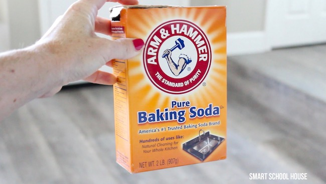 How to make Santa's footprints using Baking Soda