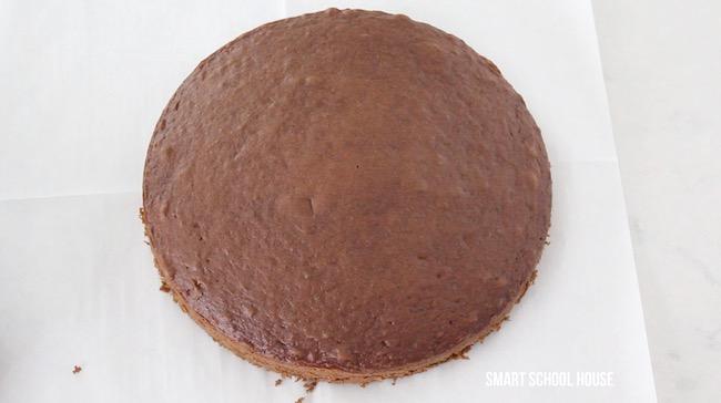 How to make a homemade heart cake