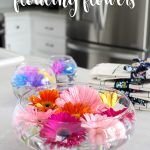 Bubble Wrap Floating Flower Arrangement - How to take grocery store flowers and make them look stunning! DIY flower centerpiece.