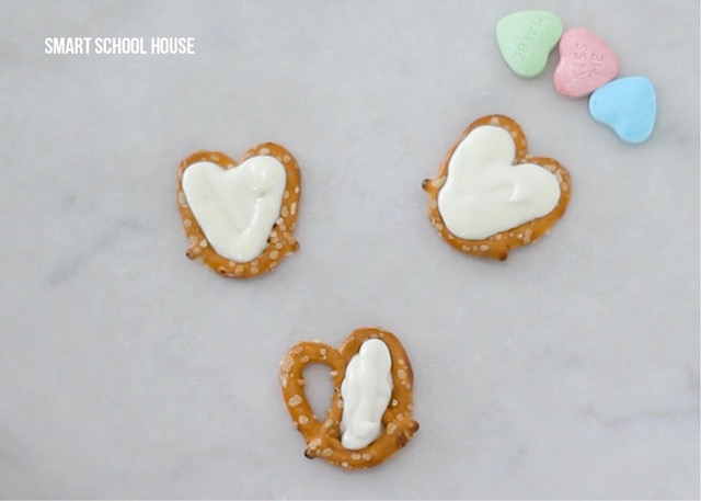 turn pretzels into hearts