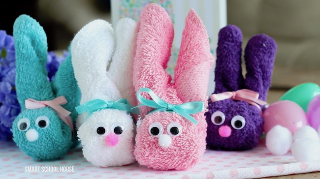 How to make Wash Cloth Bunnies - great for Easter! They are also called boo boo bunnies and you can put ice cubes in them to help soothe boo boos! Good baby shower idea too.
