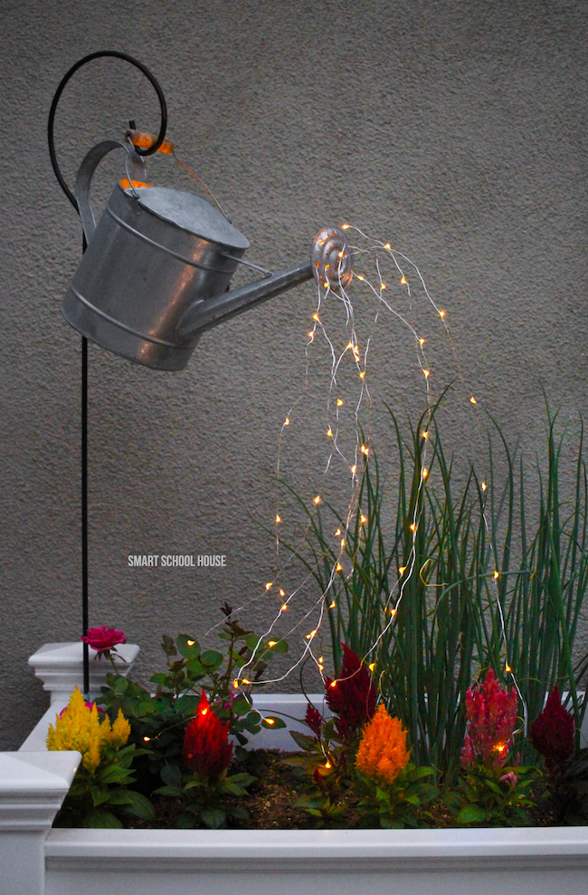 Watering can with lights When is the best time to water your garden
