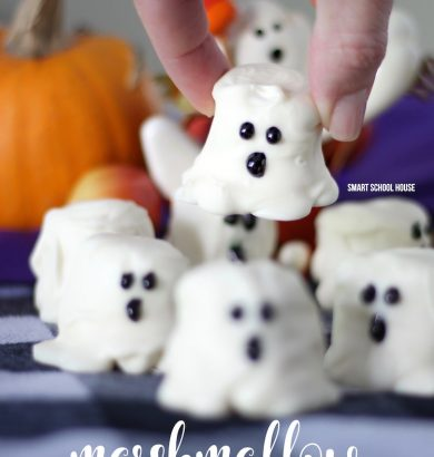 Marshmallow Ghostsare so perfectly delicious for Halloween, it's scary! Kids of all ages can help prepare these easy-to-make Halloween treats. With just three simple ingredients, they can be made at a moment's notice.