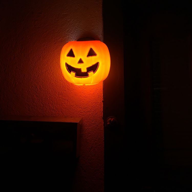diy halloween lighting. Make A Glowing Pumpkin Sconce By Putting $1.00 Plastic Over Outdoor Lights Diy Halloween Lighting I