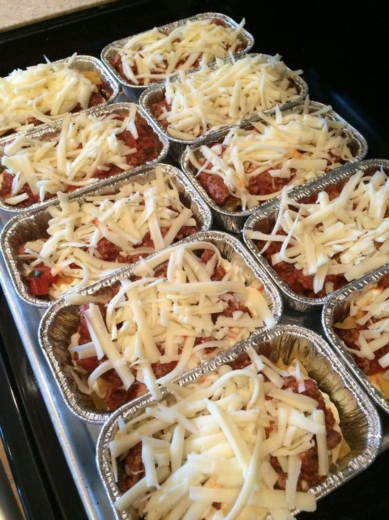 These mini lasagnas would be fantastic for those of you who need single-serving recipes or great ideas for on-the-go lunches! This is also a great freezer lasagna recipe to prep ahead of time and have on hand in the freezer for those chaotic weekday nights!