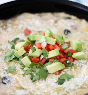 Creamy Chicken Enchilada Skillet Recipe. Quickly make a delicious chicken dinner in one pan! #skillet #enchiladas #enchiladarecipe #creamyenchiladas #onepandinner #quickdinner #easydinner